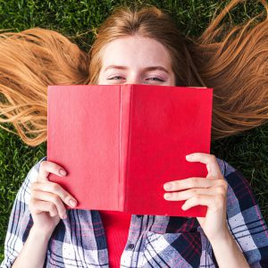 7-lucruri-ciudate-pe-care-le-fac-cititorii