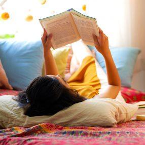 De-ce-ar-trebui-să-citești-în-fiecare-dimineață